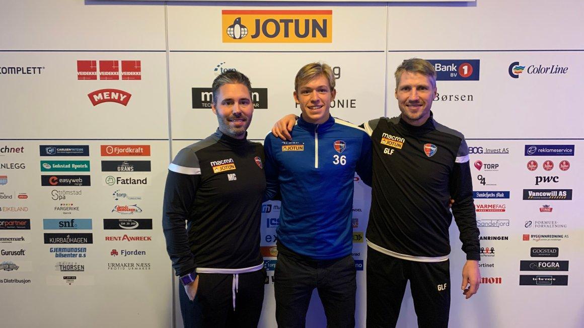 Martin Andersen signerer proffkontrakt