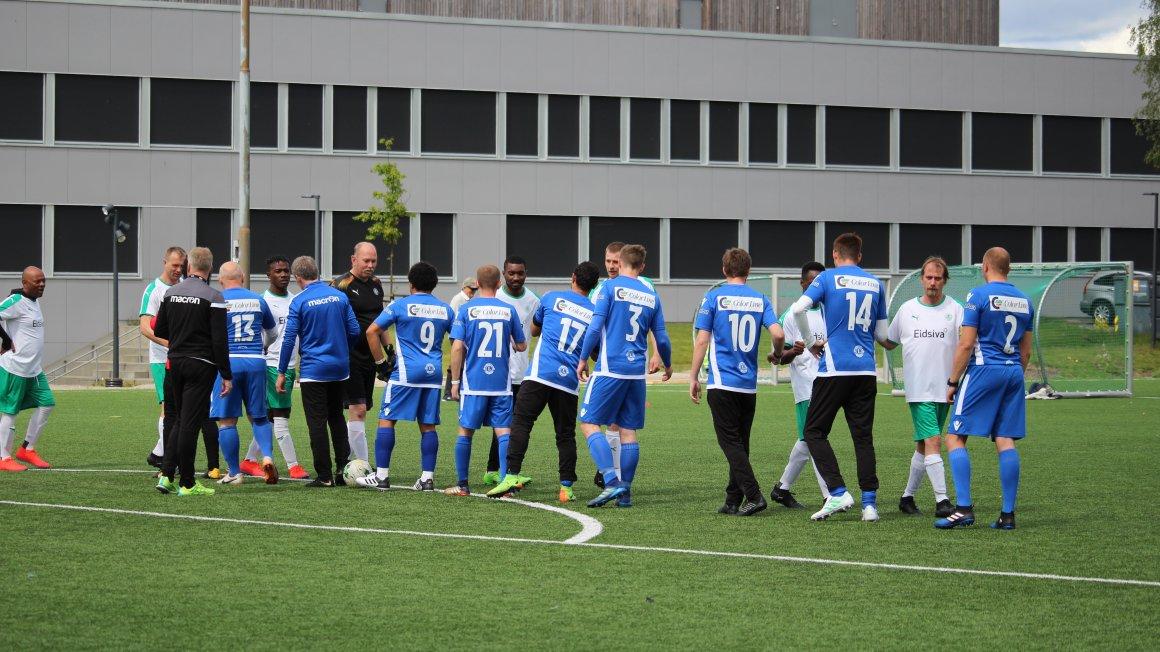 SF Gatelag møter administrasjonen til fotballkamp