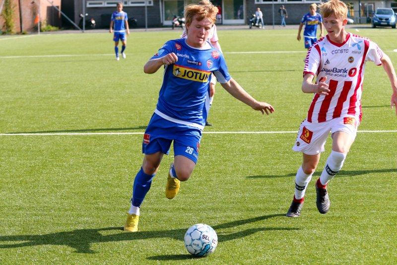 Christoffer Sandnes leverte en god kamp for SF-juniorene mot Tromsø. Foto: Tostein Flåm