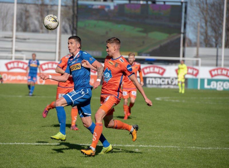 Vidar Ari Jonsson må stå over mot Aalesund i siste hjemmekamp etter å ha fått sitt 6. gule kort for sesongen.