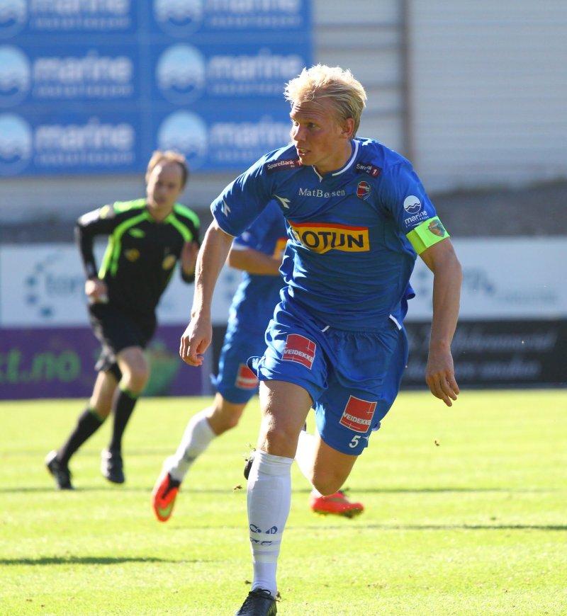 LEGGER OPP: Alexander Gabrielsen har spilt 181 kamper og scoret 15 mål for Sandefjord Fotball. (Foto: Torstein Flåm)