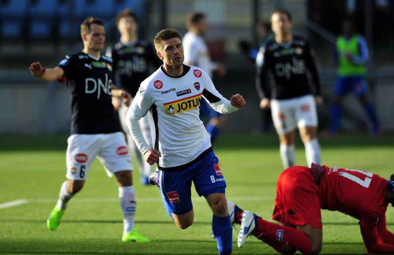 FORRIGE KAMP: Erik Mjelde utlignet til 2-2 i trneingskampen mot Strømsgodset. (Foto: Robert Christensen Digitalsport)