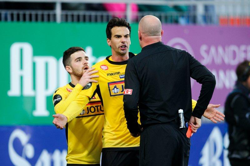 RØDT KORT: Victor Demba Bindia fikk se det røde kortet mot Rosenborg. (Foto: Sjur Stølen / Digitalsport)