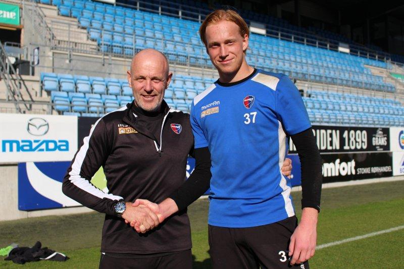 Keepertrener Hans Petter Neirebø Olsen og Jesper Granlund.